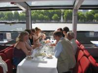 Shared Tour: Bateaux London Classic Lunch Cruise